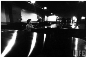 glenn-gould-_singing_-as-he-samples-the-action-tone-of-a-piano-at-the-steinway-warehouse-before-choosing-the-final-one-for-his-e28098bach-goldberg-variations_-recording-session-new