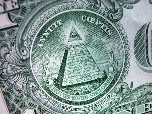pyramid_on_dollar